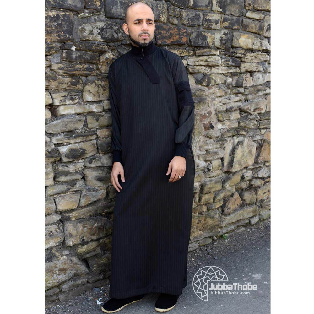 Black Slide Flap Zipped Jubba