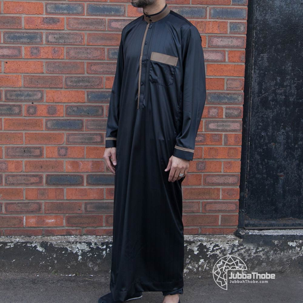 Gold Collar Black Jubba Thobe